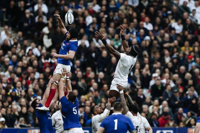Face aux Anglais, les Bleus ont parfois péché sur les lancers en touche.