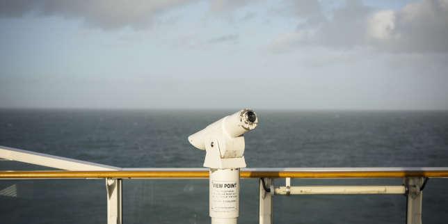 «C'est le premier jour de sortie de l'Europe, mais cela ne semble pas vraiment différent» : de Douvres à Calais, à bord d'un ferry post-Brexit