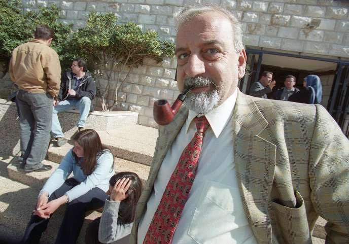 Albert Aghazarian, sur le campus de l'université Bir Zeït, le 13 février 2001.