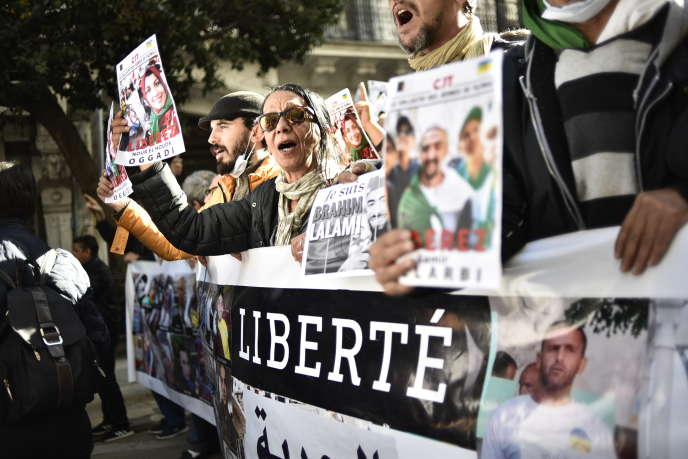 Lors d'une manifestation antigouvernementale à Alger, le 24janvier 2020.
