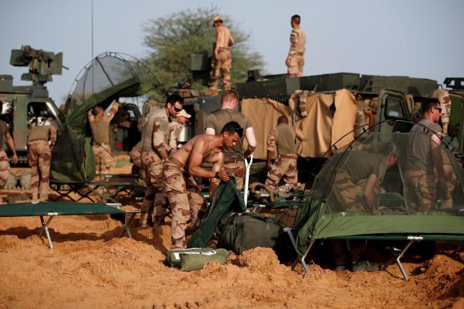 Des soldats de l'opération« Barkhane» à Ndaki (Mali), le 27 juillet 2019.