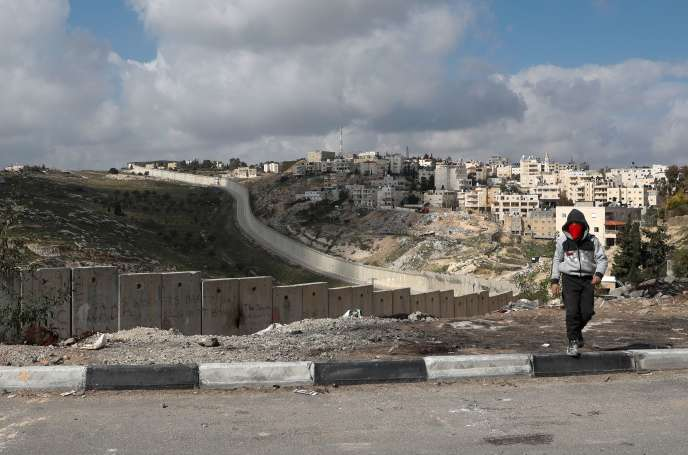 Sur la colline d'Abou Dis (Cisjordanie), le 29 janvier 2020.