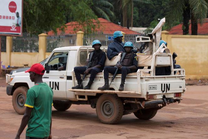 Une patrouille onusienne dans les rues de Bangui, la capitale centrafricaine, en avril 2017.