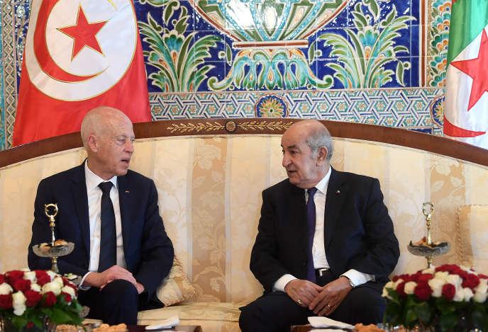 Les présidents Kaïs Saïed (à gauche) et Abdelmadjid Tebboune, à Alger, le 2février 2020.