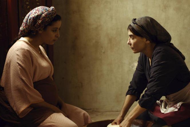 Nisrin Erradi et Lubna Azabal dans « Adam », de la réalisatrice marocaine Maryam Touzani.