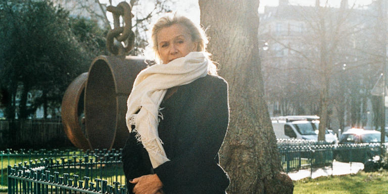 Anne Meaux fondatrice et president de Image 7 agence de communication d'entreprise photographier le 28 janvier 2020 à Paris 17eme (dans son bureau ainsi que au jardin de la place du Général-Catroux.