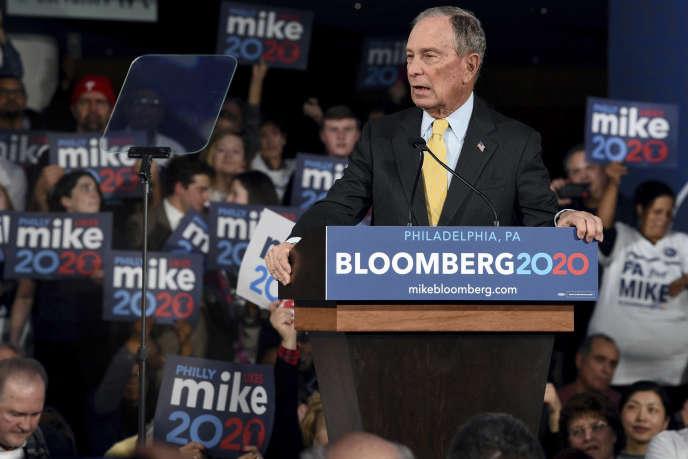 Le candidat à l'investiture du Parti démocrate Michael Bloombergà la tribune d'un meeting de campagne à Philadelphie(Pennsylvanie), le 4 février.