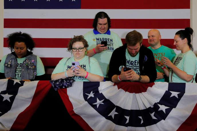 Des partisans d'Elizabeth Warren lors du caucus à Des Moines, dans l'Iowa, le 3 février.