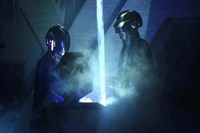 Daft Punk sur scène lors des Grammy Awards à Los Angeles (Californie), en février 2017.