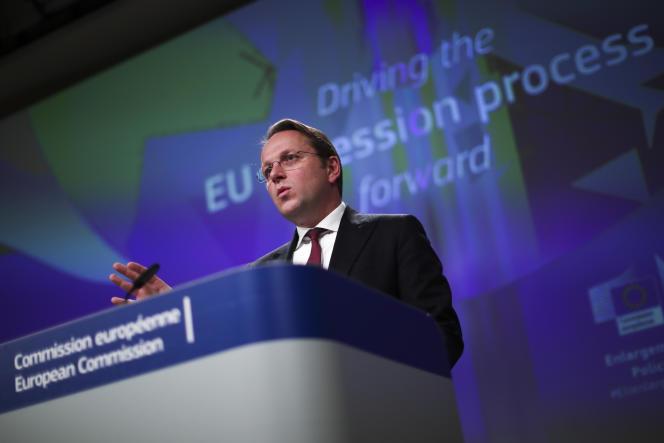 Le commissaire européen au voisinage et à l'élargissement, Oliver Varhelyi, au siège de la Commission européenne, à Bruxelles, le 5 février.