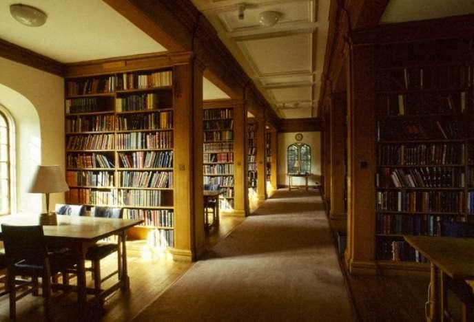 Une bibliothèque de l'université de Cambridge, en Angleterre.