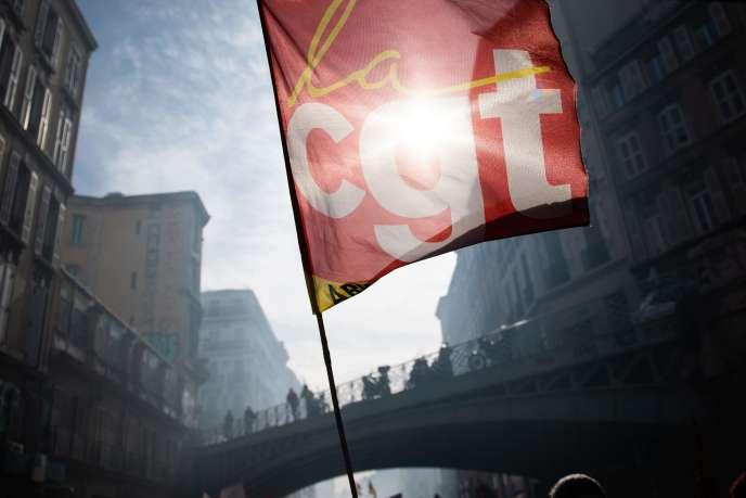 Drapeau de la CGT lors d'une manifestation contre la réfomr des retraites, le 6 février 2020.
