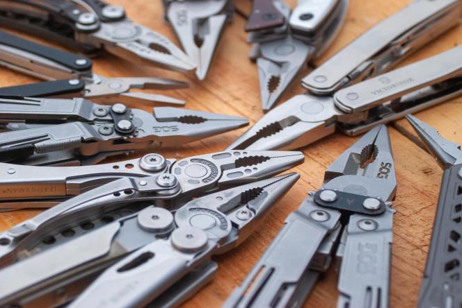 Il nous semble aller de soi que tous les outils multifonctions doivent posséder une pince.