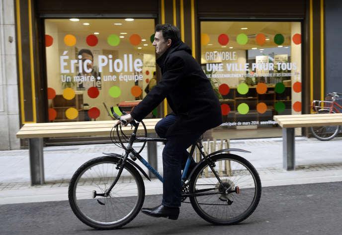 Eric Piolle (EELV) pendant sa campagne en 2014.