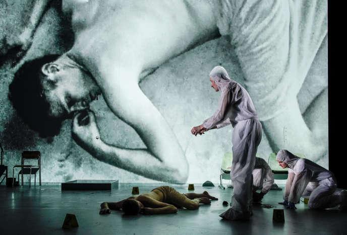 « Aucœur de la violence», d'Edouard Louis etThomas Ostermeier, lors de sa création à la Schaubühne de Berlin, en juin 2018.