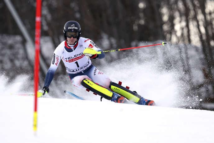 Clément Noël s'est imposé dans le slalom de Chamonix, samedi 8 février, sa troisième victoire de la saison.
