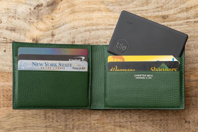 Le Tile Slim est conçu pour être glissé dans un portefeuille.