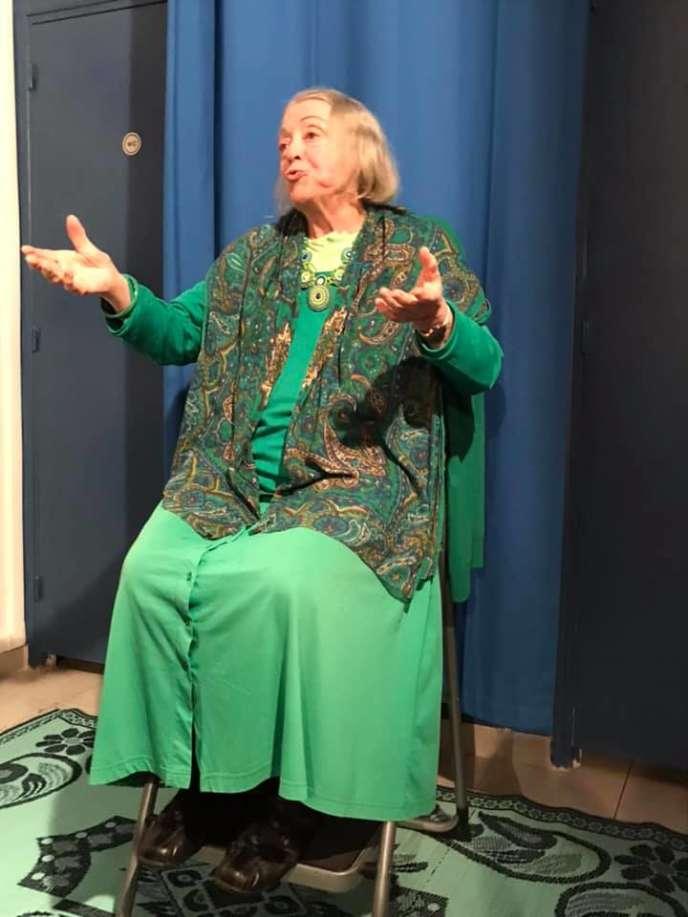 La conteuse Annie Kiss lors de la soirée d'anniversaire de l'association Calliope à Paris, le 8 février 2020.