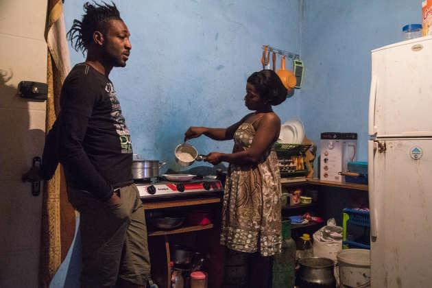 «Derwisha», en novembre 2016. Rodrigue prend soin de Michelle et de sa fille, Mira, qui sont d'origine ivoirienne.