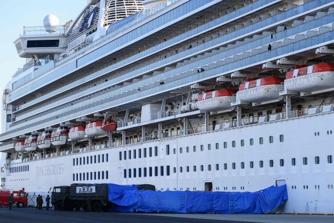 Le paquebot «Diamond-Princess» en quarantaine dans le port de Yokohama, le 10février 2020. Soixante cas supplémentaires de contaminations au coronavirus ont été signalés.