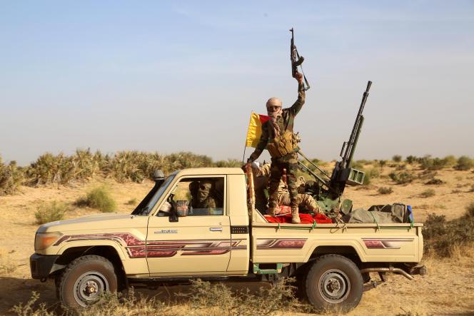 Miliciens de la Coalition des peuples de l'Azawad, à Soumpi, dans le centre du Mali, à la frontière mauritanienne, le 22 janvier 2020.