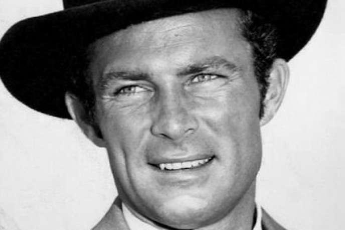 Robert Conrad en 1965 dans son rôle de James West dans la série télévisée« Les mystères de l'ouest».