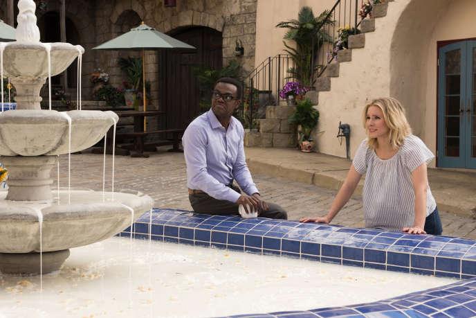 Chidi Anagonye (William Jackson Harper) et Eleanor Shellstrop (Kristen Bell) dans «The Good Place».