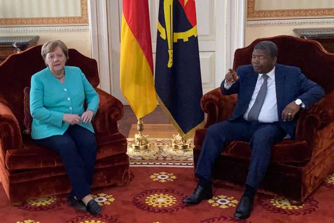 La chancelière allemande Angela Merkel à Luanda, avec Joao Lourenço, le 7 février 2020.