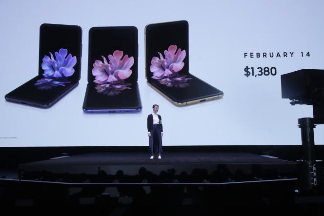 Le Z Flip sera disponible dans trois couleurs : noir, pourpre et or.