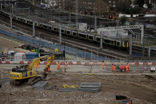 Les travaux du High Speed 2 (HS2), ligne à grande vitesse qui doit relier Londres au nord de l'Angleterre,s'annoncent particulièrement complexes.