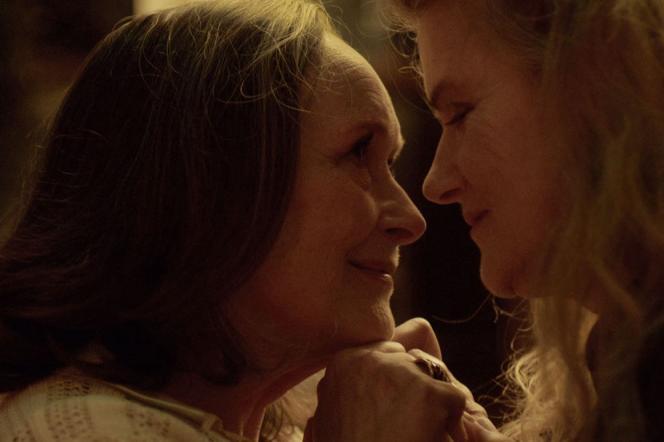 Martine Chevallier (Madeleine) etBarbara Sukowa (Nina) dans« Deux», deFilippo Meneghetti.