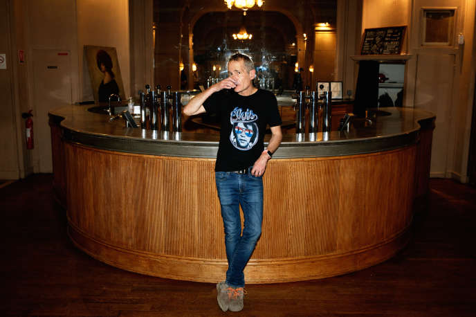 Didier Wampas au bar de l'Elysée-Montmartre, à Paris, le 1er février.