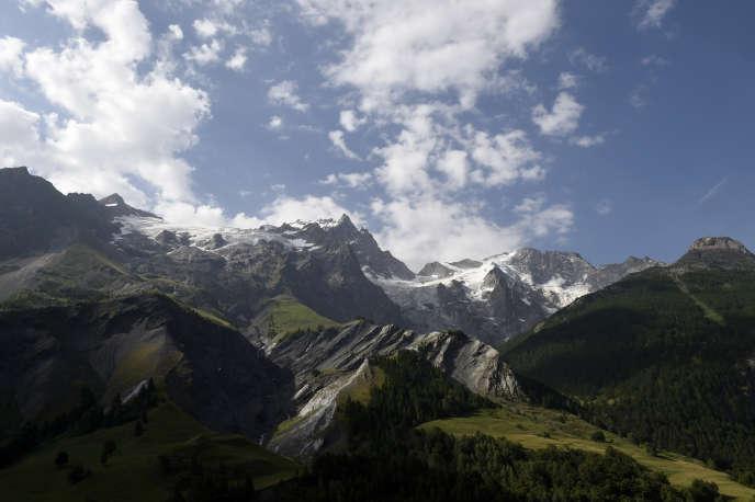 Parc national des Ecrins, en 2015. Selon un syndicaliste, le parc a perdu environ 20% de ses effectifs en dix ans.