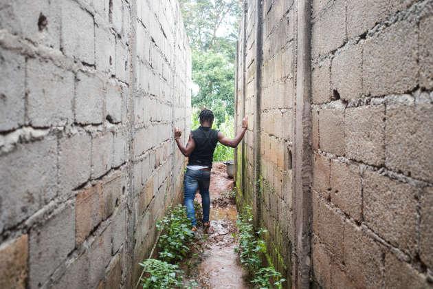 Yaoundé, novembre 2019. Rodrigue n'a plus de revenu fixe depuis qu'il est rentré. «Cela fait six mois et j'ai l'impression de faire du surplace», soupire-t-il.