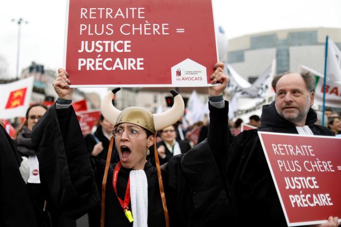 Lors d'une manifestation contre la réforme des retraites, à Paris, le 3 février.