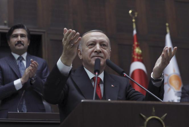 Le président turc Recep Tayyip Erdogan devant le Parlement, àAnkara, le 12 février.