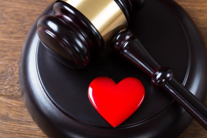 Le devoir de fidélité entre époux perdure tant que le mariage n'est pas dissous.