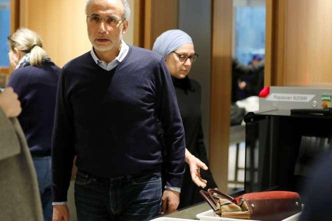 Tariq Ramadan et sa femme Iman, à leur arrivée au Palais de justice de Paris, le 13 février.