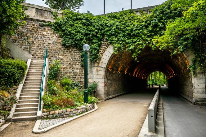 Sur la Coulée verte René-Dumont à Paris.