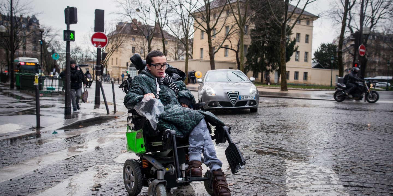 Transports parisiens : des personnes à mobilité réduite dénoncent une « assignation à résidence »