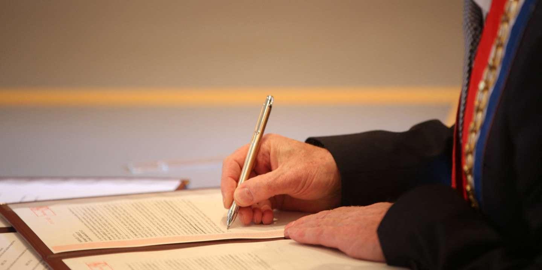 « Il existe en France un mécanisme d'échange de faveurs entre élus locaux et banques »