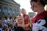 Lors d'une manifestation contre la 5G, devant le Parlement suisse, à Berne, en septembre 2019.