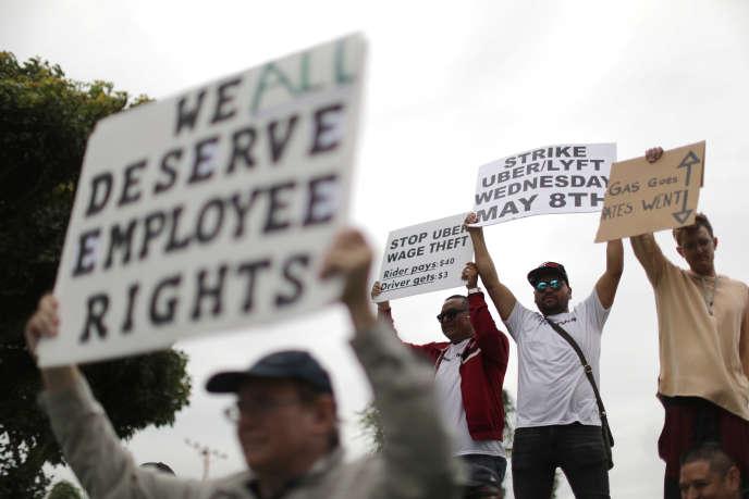 Des chauffeurs Uber manifestent pour leurs droits, le 8 mai 2019 à l'aéroport de Los Angeles, en Californie.