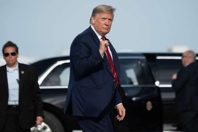 Donald Trump, le 16 février à l'aéroport de Daytona Beach, en Floride.