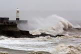 La tempête Dennis à Porthcawl, dans le sud du Pays de Galles, le 15février.