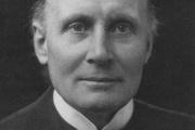 Le mathématicien et philosophe Alfred North Whitehead, vers 1924.