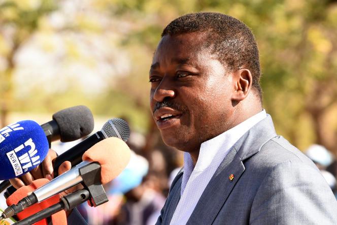 Le président togolais Faure Gnassingbé àDapaong, dans l'extrême-nord du pays, le 16 février 2020.