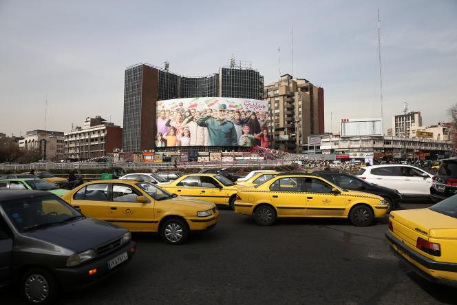 Place Valiasr, à Téhéran, le 15 février, où trône une immense représentationdu général Soleimani, assassiné par un drone américain le 3 janvier.