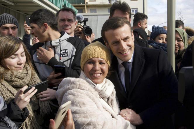 «Il est sain qu'il puisse exister, dans le respect de la laïcité, une dynamique constructive entrel'Etat etle culte musulman. » (Photo: Emmanuel Macron àMulhouse, le 18février.)