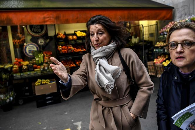 La candidate LRM à Paris Agnès Buzyn en février dans le 5e arrondissement.